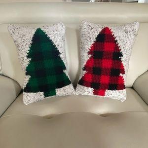Hand stitched plaid Christmas tree pillow set